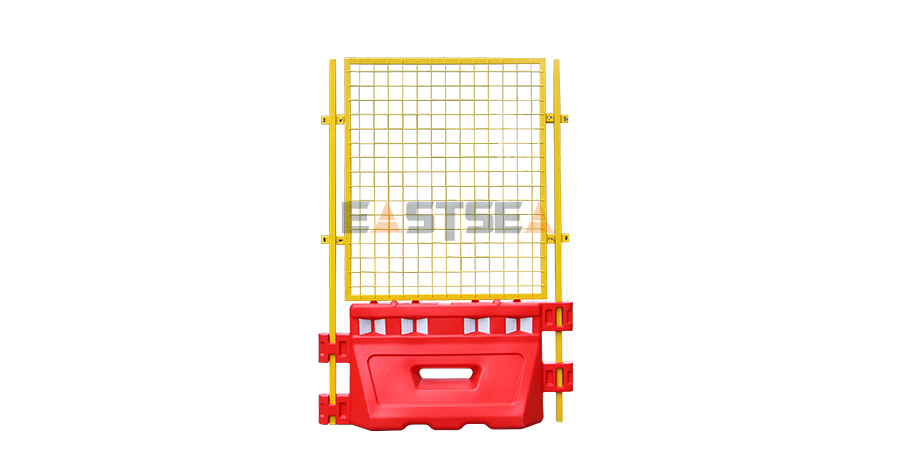 Water Filled Barrier with Mesh Fence-2